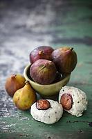Gastronomie générale / Diététique /  Figues Dauphine bio et Fromage fais de chèvre // General gastronomy / Diet / Organic Figs Dauphine and Goat cheese