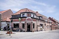 roadside café<br /> cycling hotspots & impressions in Heuvelland<br /> <br /> Cycling In Flanders <br /> Flanders Tourist Board<br /> <br /> ©kramon