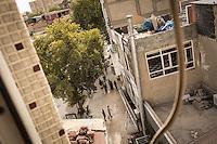 Vue d'une rue et des toits d'Adiyaman.