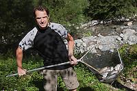 Europe/France/Rhône-Alpes/74/Haute-Savoie/Thones:  la pisciculture -Truites de Torrent [Non destiné à un usage publicitaire - Not intended for an advertising use]