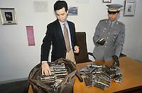 - Financial police, hashish seizure....- Guardia di Finanza, sequestro di hashish
