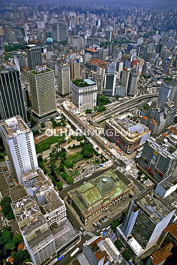 Aerea do centro da cidade. São Paulo. 1995. Foto de Juca Martins.