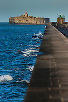 France, Manche (50), Cotentin, Cherbourg, rade de Cherbourg ,  Digue de Querqueville et  Le Fort de l'Ouest // France, Manche, Cotentin, Cherbourg,Cherbourg Harbour (French rade de Cherbourg; literally, the roadstead of Cherbourg,  Querqueville dam and  Western  Fort