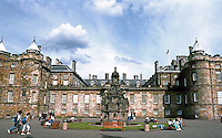 Edinburgh: Holyrood Palace, principal residence of Kings and Queens of Scotland. Built around a quadrangle and rebuilt by Sir William Bruce after a fire in 1671. Photo '87.