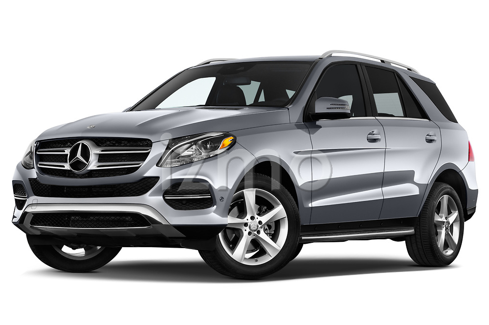 Stock pictures of low aggressive front three quarter view of 2018 Mercedes Benz GLE-Class GLE350 5 Door SUV Low Aggressive