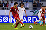Luong Xuan Truong of Vietnam (L) fights for the ball with Ahmad Sameer Saleh of Jordan (R) during the AFC Asian Cup UAE 2019 Round of 16 match between Jordan (JOR) and Vietnam (VIE) at Al Maktoum Stadium on 20 January 2019 in Dubai, United Arab Emirates. Photo by Marcio Rodrigo Machado / Power Sport Images