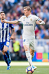 Toni Kroos of Real Madrid in action during their La Liga match between Real Madrid and Deportivo Alaves at the Santiago Bernabeu Stadium on 02 April 2017 in Madrid, Spain. Photo by Diego Gonzalez Souto / Power Sport Images