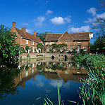 Grossbritannien, England, Suffolk, Flatford bei East Bergholt: Flatford Mill am river Stour, bekannt durch John Constables Gemaelde | Great Britain, England, Suffolk, Flatford near East Bergholt: Flatford Mill at River Stour, made famous by painter John Constable