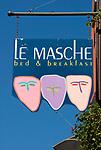 Italien, Piemont, Langhe, Diano d'Alba: Bed and Breakfast, Schild | Italy, Piedmont, Langhe, Diano d'Alba: bed and breakfast, sign