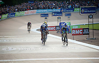 Matthew Hayman (AUS/Orica-GreenEDGE) goes head-to-head with 4-time winner Tom Boonen (BEL/Etixx-QuickStep) and wins the 'Hell of the North' with half a wheel.<br /> <br /> 114th Paris-Roubaix 2016