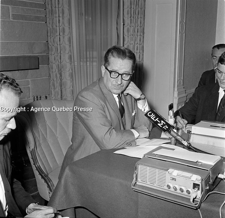Daniel Johnson , sr, le 19 aout 1964, dans la ville de Quebec.<br /> <br /> PHOTO : Agence Quebec Presse  - Photo Moderne