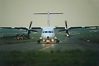 - regional airliner ATR 42....- aereo da trasporto regionale ATR 42