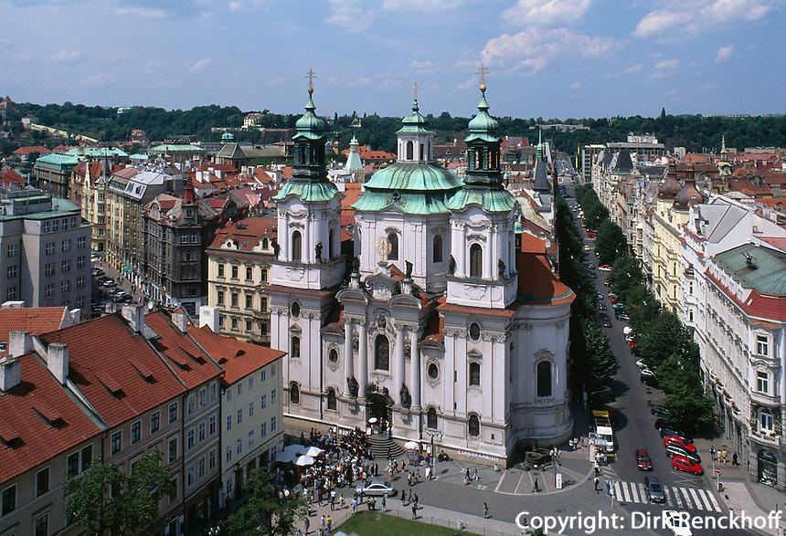 Altstädter Ring (Staromestske Namesti),  Niklas-Kirche, Prag, Tschechien, Unesco-Weltkulturerbe.