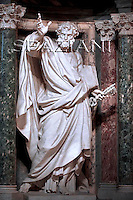 Statue St Peter Basilica St Peter at St. John in Lateran Basilica in Rome.Pope Benedict XVI during the Holy Thursday rite of the washing feet, in St. John in Lateran Basilica in Rome...March 20, 2008.. .