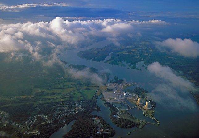 Nuclear power generating on Tennessee River
