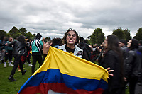 BOGOTA - COLOMBIA, 29-06-2019: Cada año se lleva acabo el festival de rock más grande de America latina, rock al parque, esta vez en su versión 25 trae consigo bandas nacionales e internacionales,  durante 3 días la gente tendrá la posibilidad de ir a ver. / Each year it takes place the biggest rock festival of America Latina, rock al parque, this time in its version 25th it brings with it national and international bands, during 3 days the people will have the possibility to go and see them. Photo: VizzorImage / Nicolas Aleman / Cont