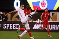 NEW JERSEY - UNITED STATES, 17-06-2016: Carlos Bacca (Izq) jugador de Colombia (COL) disputa el balón con Cristian Ramos (Der.) jugador de Peru (PER) durante partido por los cuartos de final entre Colombia (COL) y Peru (PER)  por la Copa América Centenario USA 2016 jugado en el estadio MetLife en East Rutherford, Nueva Jersey, USA.  / Carlos Bacca (R) player of Colombia (COL) fights the ball with Cristian Ramos (R) player of Peru (PER) during a match for the quarter of finals between Colombia (COL) and Peru (PER) for the Copa América Centenario USA 2016 played at MetLife stadium in East Rutherford, New Jersey, USA. Photo: VizzorImage/ Luis Alvarez /Cont.