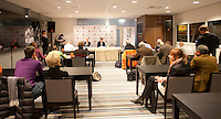 30-11-10, Tennis, Rotterdam, Persconferentie REAAL Tennis Masters Rohan Goetzke en toernooi directeur Rameon Sluiter (r) achter de tafel