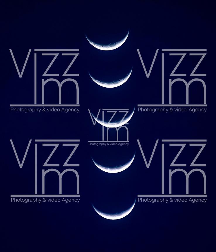 BOGOTA - COLOMBIA, 17-12-2020: Luna Creciente en el atardecer en la ciudad de Bogota. / Crescent Moon at sunset in Bogota city/ Photo: VizzorImage / Luis Ramirez / Staff.
