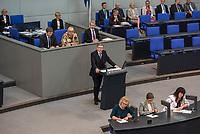 """Debatte im Deutschen Bundestag am Donnerstag den 19. April 2018 zum Thema Jahresberichte 2016 und  2017 des Wehrbeauftragten.<br /> Im Bild: Gerold Otten, Abgeordneter der rechtsnationalistischen """"Alternative fuer Deutschland"""", AfD, spricht zu den Jahresberichten. Er kritisiert, dass die Bundeswehr zu einem normalen Arbeitgeber geworden sei und die Verpfichtung im Einsatzfall fuer sein Vaterland zu sterben und die soldatischen Tugenden wie Ehre, Treue keine Rolle mehr spielen wuerde.<br /> 19.1.2018, Berlin<br /> Copyright: Christian-Ditsch.de<br /> [Inhaltsveraendernde Manipulation des Fotos nur nach ausdruecklicher Genehmigung des Fotografen. Vereinbarungen ueber Abtretung von Persoenlichkeitsrechten/Model Release der abgebildeten Person/Personen liegen nicht vor. NO MODEL RELEASE! Nur fuer Redaktionelle Zwecke. Don't publish without copyright Christian-Ditsch.de, Veroeffentlichung nur mit Fotografennennung, sowie gegen Honorar, MwSt. und Beleg. Konto: I N G - D i B a, IBAN DE58500105175400192269, BIC INGDDEFFXXX, Kontakt: post@christian-ditsch.de<br /> Bei der Bearbeitung der Dateiinformationen darf die Urheberkennzeichnung in den EXIF- und  IPTC-Daten nicht entfernt werden, diese sind in digitalen Medien nach §95c UrhG rechtlich geschuetzt. Der Urhebervermerk wird gemaess §13 UrhG verlangt.]"""
