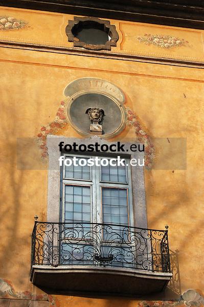Facade with window and balcony of the Casal Solleric, 18th century<br /> <br /> Fachada con ventana y balcón de la Casa de los Marqueses de Solleric (Casal Solleric), Siglo XVIII <br /> <br /> Fassade mit Fenster und Balkon des Casal Solleric, 18. Jh. <br /> <br /> 3008x2000 px<br /> 150 dpi: 50,94 x 33,87 cm<br /> 300 dpi: 25,47 x 16,93 cm