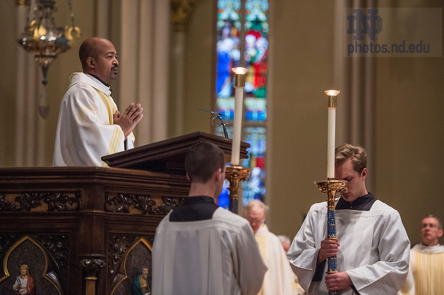 Jan. 18, 2016; Mass to honor the life and legacy of Dr. Martin Luther King which featured the Voices of Faith Gospel Choir in the Sacred Heart of the Basilica. (Photo by Barbara Johnston/University of Notre Dame)