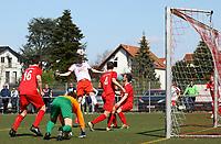 Kopfball Nils Beisser (Büttelborn) - 07.04.2019: SKV Büttelborn vs. TSV Lengfeld, Gruppenliga Darmstadt