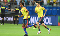 SALVADOR – BRASIL, 15-06-2019: Juan Cuadrado y James Rodriguez de Colombia calientan previo al partido de la Copa América Brasil 2019, grupo B, entre Argentina y Colombia jugado en el Itaipava Fonte Nova Arena de la ciudad de Salvador, Brasil. / Juan Cuadrado and James Rodriguez of Colombia warm up prior the Copa America Brazil 2019 group B match between Argentina and Colombia played at Itaipava Fonte Nova Arena in Salvador, Brazil. Photos: VizzorImage / Julian Medina / Cont / FCF