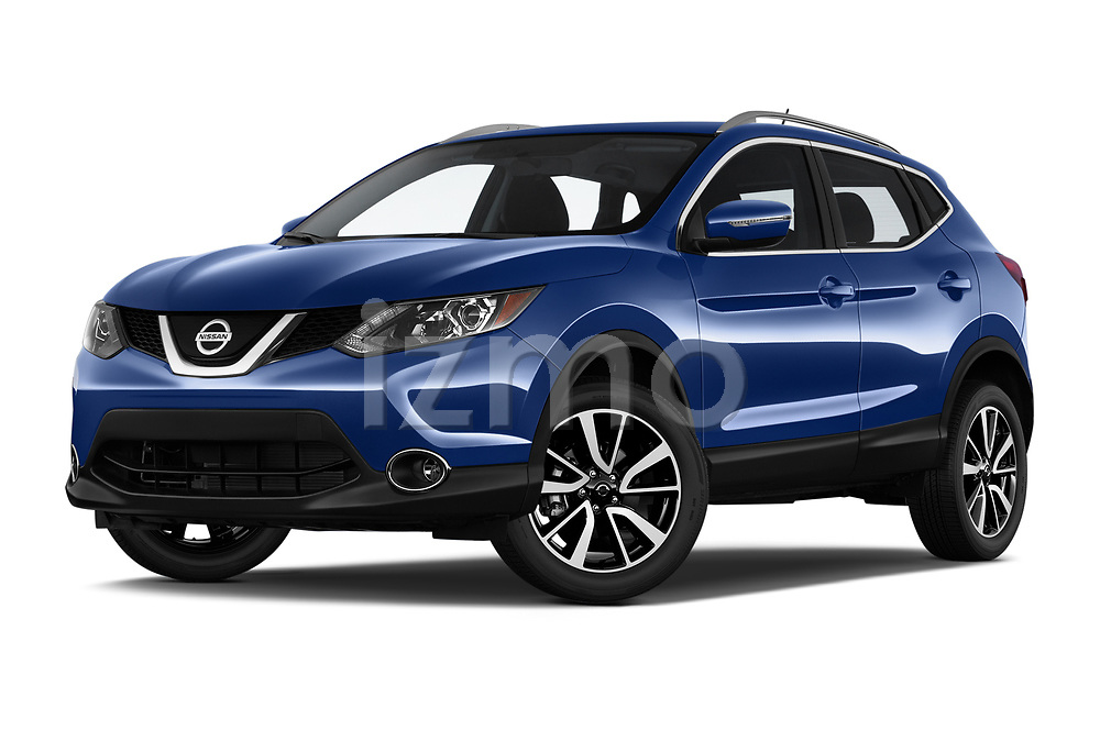 Stock pictures of low aggressive front three quarter view of a 2019 Nissan Rogue Sport SL 5 Door SUV
