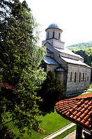 SERBIA Kosovo Kfor forze ONU  la zona affidata al controllo degli italiani Enclave serbe  Monastero ortodosso di Decani