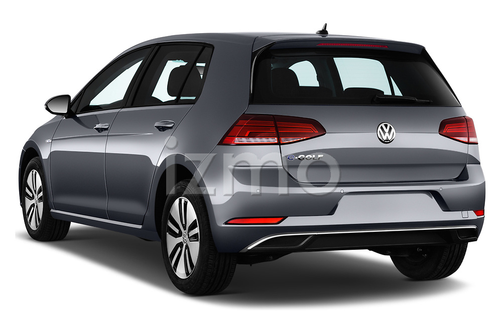 Car pictures of rear three quarter view of 2017 Volkswagen Golf e 5 Door Hatchback Angular Rear