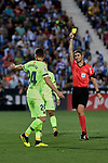 FC Barcelona's Thomas Vermaelen have words with the referee during La Liga match between CD Leganes and FC Barcelona at Butarque Stadium in Madrid, Spain. September 26, 2018. (ALTERPHOTOS/A. Perez Meca)