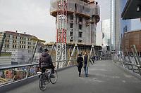 - Milano, cantiere per il nuovo palazzo Unipol e torre Unicredit nel quartiere di Porta Nuova<br /> <br /> - Milan, construction site for the new Unipol building and Unicredit tower in the Porta Nuova district