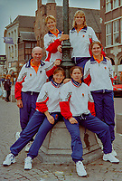 Den Bosch, The Netherlands, Oktober 3, 1997,  Maaspoort , FedCup Final:  Netherlands - France, Dutch team ltr: Captain Fred Hemmes, Brends Schultz (above) Mirjam Oremans (below) Manon Bollegrag (below) Caroline Vis (above) and Kristie Bogert<br /> Photo: Tennisimages/Henk Koster