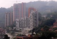 MEDELLÍN - COLOMBIA, 27-02-2014.  Pablo Villegas Mesa, Maria Cecilia Posada Grisales y Jorge Aristizabal durante la audiencia de imputsción de cargos en el caso del edificio Space en Medellín que fuera afectado seriamente tras el desplome de la torre 6 el pasado mes de octubre de 2013./ Today was conducted the implosion of tower 5 of the Space building in Medellin that was affected seriously after the collapse of tower 6 the past October of 2013.  Photo: VizzorImage/ Cortesía Camilo Gil