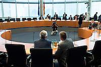 51. Sitzungstag des NSA-Untersuchungsausschuss am Donnerstag den 11. Juni 2015.<br /> Im Bild links: Dr. Thomas Kurz vor seiner Befragung als Zeuge. Kurz war im Jahr 2008 Referatsleiter des Referats 621 im Bundeskanzleramt.<br /> Rechts: Sein Rechtsbeistand, Rechtsanwalt Dr. Michael.<br /> 11.6.2015, Berlin<br /> Copyright: Christian-Ditsch.de<br /> [Inhaltsveraendernde Manipulation des Fotos nur nach ausdruecklicher Genehmigung des Fotografen. Vereinbarungen ueber Abtretung von Persoenlichkeitsrechten/Model Release der abgebildeten Person/Personen liegen nicht vor. NO MODEL RELEASE! Nur fuer Redaktionelle Zwecke. Don't publish without copyright Christian-Ditsch.de, Veroeffentlichung nur mit Fotografennennung, sowie gegen Honorar, MwSt. und Beleg. Konto: I N G - D i B a, IBAN DE58500105175400192269, BIC INGDDEFFXXX, Kontakt: post@christian-ditsch.de<br /> Bei der Bearbeitung der Dateiinformationen darf die Urheberkennzeichnung in den EXIF- und  IPTC-Daten nicht entfernt werden, diese sind in digitalen Medien nach §95c UrhG rechtlich geschuetzt. Der Urhebervermerk wird gemaess §13 UrhG verlangt.]
