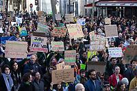 Manifestazione per il clima Corteo per il clima, manifestanti con cartelli
