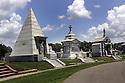 Metairie Cemetery, 2004