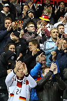Deutsche Fans applaudieren den fairen nordirischen Fans, die das ganze Spiel über eine tolle Stimmung verbreiteten - 05.10.2017: Nordirland vs. Deutschland, WM-Qualifikation Spiel 9, Windsor Park Belfast