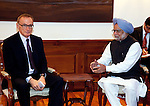 21 January 2013, New Delhi, India: Australian Foreign Minister, The Hon. Bob Carr meets Indian Prime Minister,  Manmohan Singh at the Prome Ministers residence in New Delhi during Mr.Carr's visit to India.   Picture by Graham Crouch/DFAT