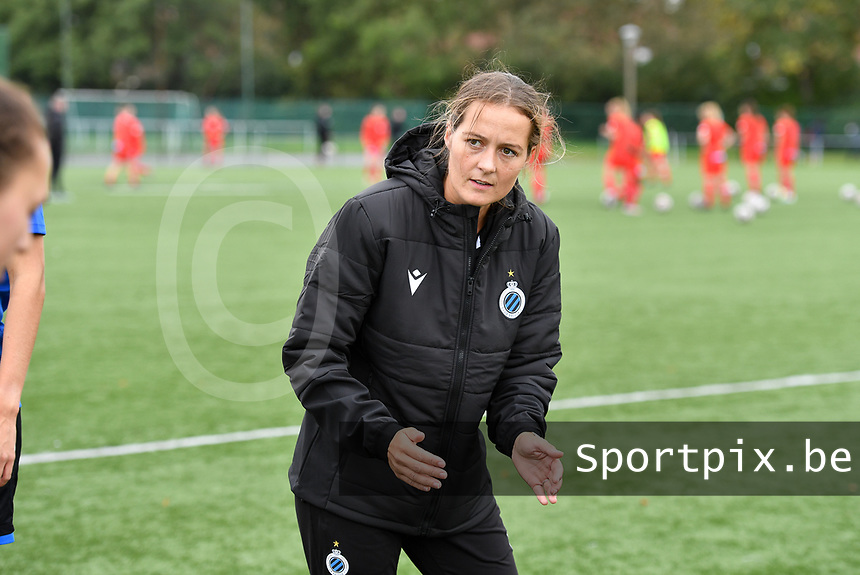 assistant coach Valerie Van Slycke of Club YLA pictured during a female soccer game between Club Brugge Dames YLA and Zulte Waregem Ladies on the third matchday of the 2020 - 2021 season of Belgian Scooore Womens Super League , saturday 3 October 2020  in Brugge , Belgium . PHOTO SPORTPIX.BE | SPP | DAVID CATRY