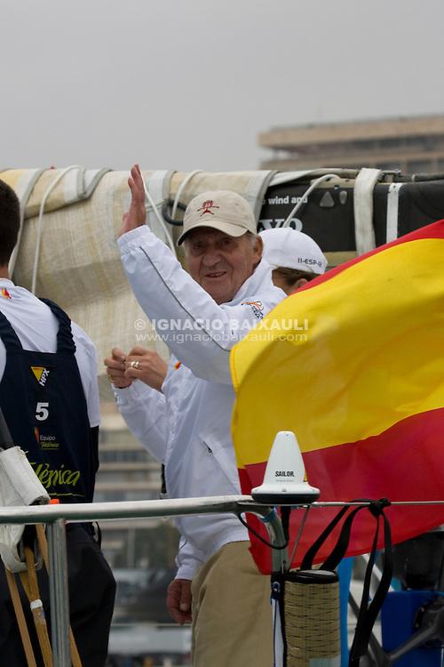 D.Juan Carlos I King of Spain. TELEFONICA BLUE RACING TEAM .VOLVO OCEAN RACE 2008-2009 start in Alicante, Spain, 11/10/2008