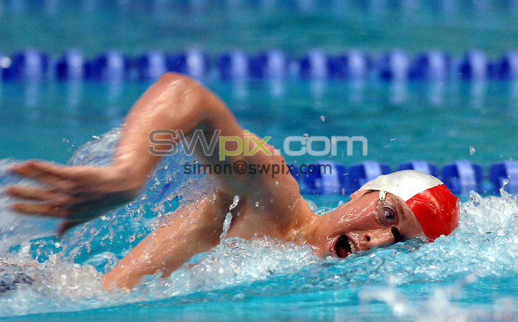 Pix: Chris Whiteoak/SWpix.com. Swimming, British Long Course Swimming Championships, 9/4/06..copyright picture>>simon wilkinson>>07811267706>>..Lewis Smith swims in the mens 400m individual medley
