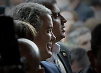 BOGOTA - COLOMBIA, 27-05-2018: Ivan Duque, candidato presidencial por le partido Centro Democrático, llega a su puesto de votación durante la jornada electoral hoy, 27 de mayo de 2018. Las elecciones presidenciales de Colombia de 2018 se celebrarán el domingo 27 de mayo de 2018. El candidato ganador gobernará por un periodo máximo de 4 años fijado entre el 7 de agosto de 2018 y el 7 de agosto de 2022. / Ivan Duque, presidential candidate for the Centro Democratico party, came to his poll station during election day today, May 27, 2018. Colombia's 2018 presidential election will be held on Sunday, May 27, 2018. The winning candidate will govern for a maximum period of 4 years fixed between August 7, 2018 and August 7, 2022.. Photo: VizzorImage / Gabriel Aponte / Staff