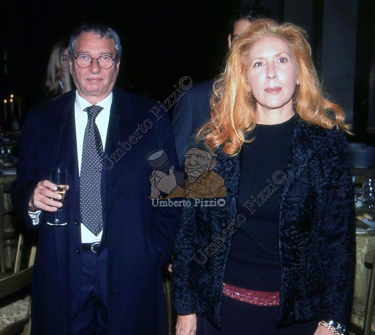 PIALUISA BIANCO CON IL MARITO GIULIO SAVELLI<br /> FESTA ALLEANZA NAZIONALE  EUR ROMA 2002