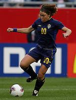 Hanna Ljungberg (Sweden) 2003 WWC Brazil/Sweden quarter final.
