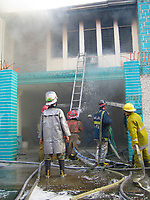 Fire in Malate, Manila<br /> photo : (c) images Distribution