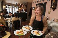Europe/France/Picardie/80/Somme/Amiens: Restaurant: Chez Maman,le restau brocante de Quentin Gambart  [Non destiné à un usage publicitaire - Not intended for an advertising use]