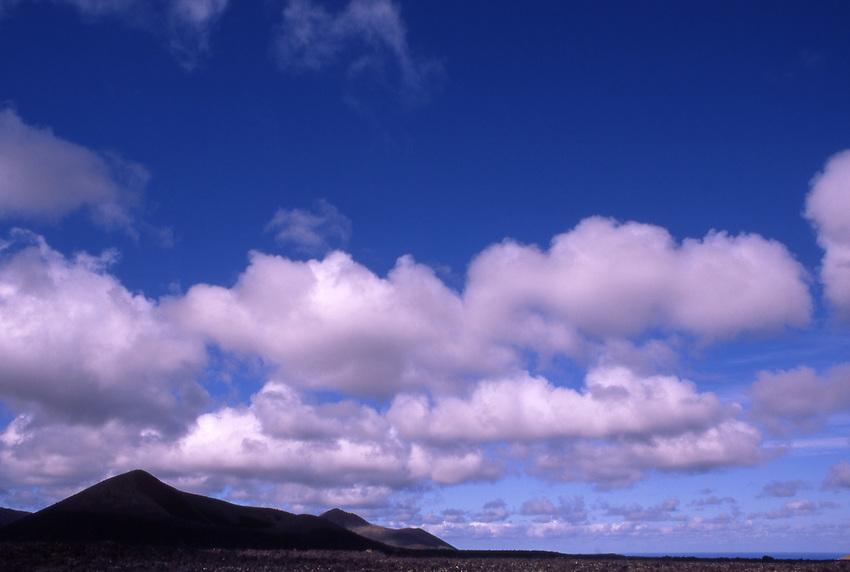 Afrika, ESP, Spain, Canary Islands, Lanzarote, National park Timanfaya, Cumulus clouds, Volcanic Landscape