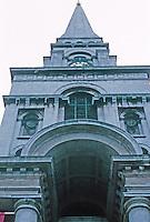 Nicholas Hawksmoor: Christ Church, Spitafields. Looking up. Photo '90.